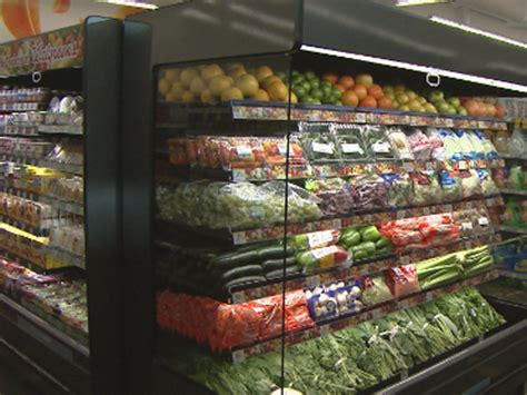 walgreens food walgreens to quench food desert with fresh produce 171 cbs denver