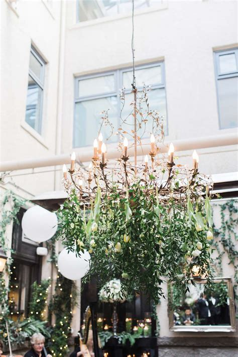 Gorgeous Ways To Incorporate Greenery Into Your Wedding