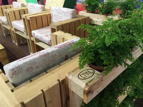 giardino sul balcone orto sul balcone come realizzare un angolo verde con i