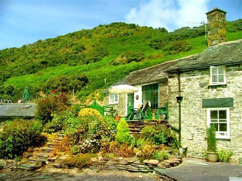 Visit Cottage Check