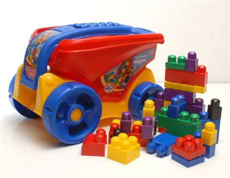 imagenes infantiles juguetes los colores de los juguetes influyen en los ni 241 os pequelia
