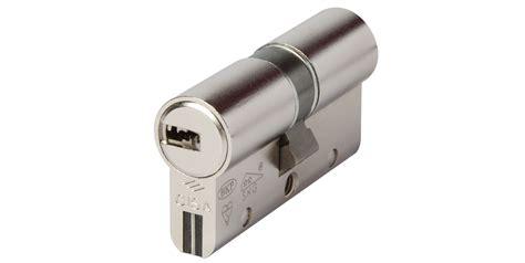 sostituzione serratura porta sostituzione serratura porta blindata genova pegli 339