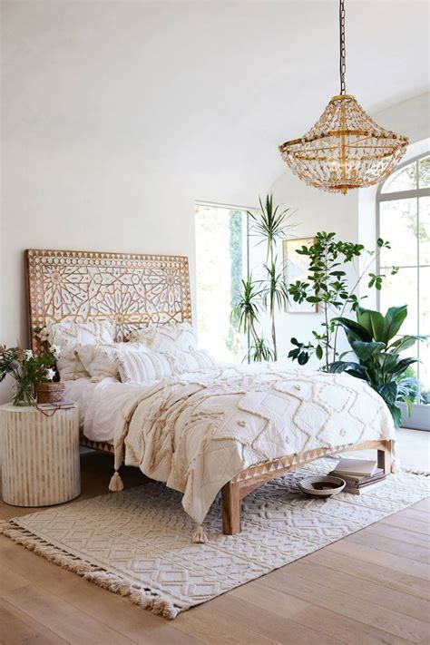 anthropologie bedroom ideas 25 best ideas about earthy bedroom on diy bed