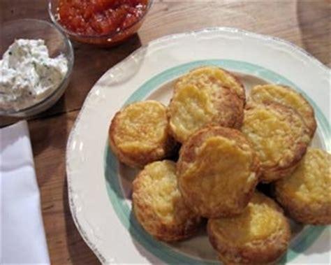 Murah Chagne Splash Fresh Tomato 250 Ml Savoury Cheese Scones With Tomato Jam And Cheese