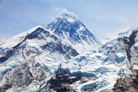 mount everest did mount everest really shrink scientists measure peak again
