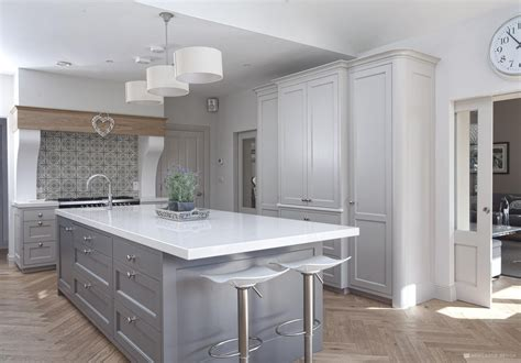 country chic classic kitchens  kitchens hamptons kitchen design