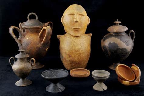 antichi vasi funebri foto le quot foto quot funebri degli etruschi 5 di 13 national