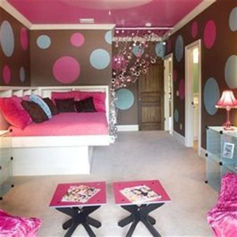 cute bedroom ideas for 13 year olds this cute girls bedroom was designed with a lofted playspace