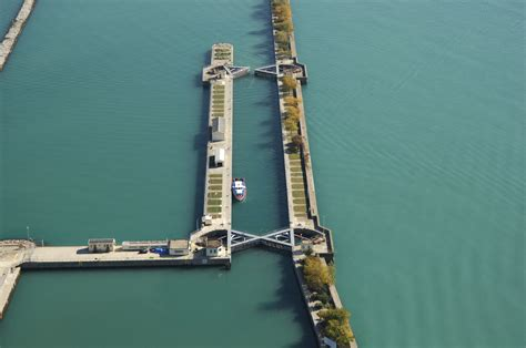 boat slips for rent chicago il chicago harbor lock in chicago il united states lock