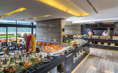 themed buffet dinner at zeta caf 233