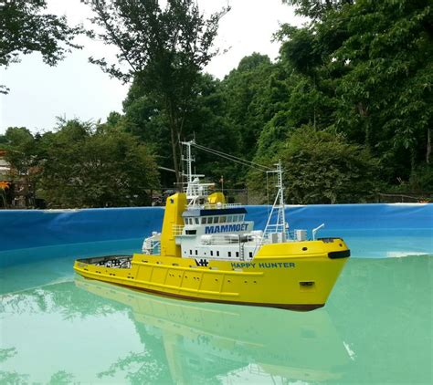 rc boats in the ocean this is an rc scale model of the dutch ocean going salvage