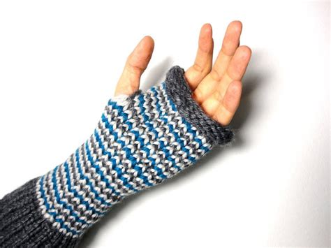 loom knit mittens how to loom knit fingerless mittens diy tutorial