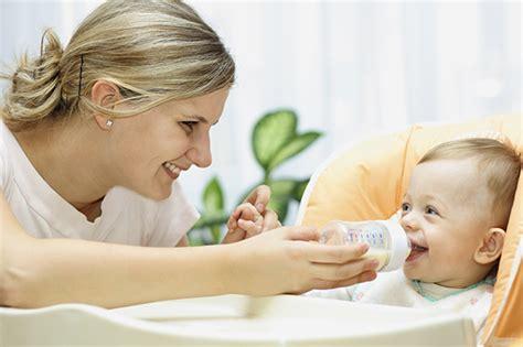 wann fangen babys an zu sprechen wann darf ein baby kuhmilch bekommen pers