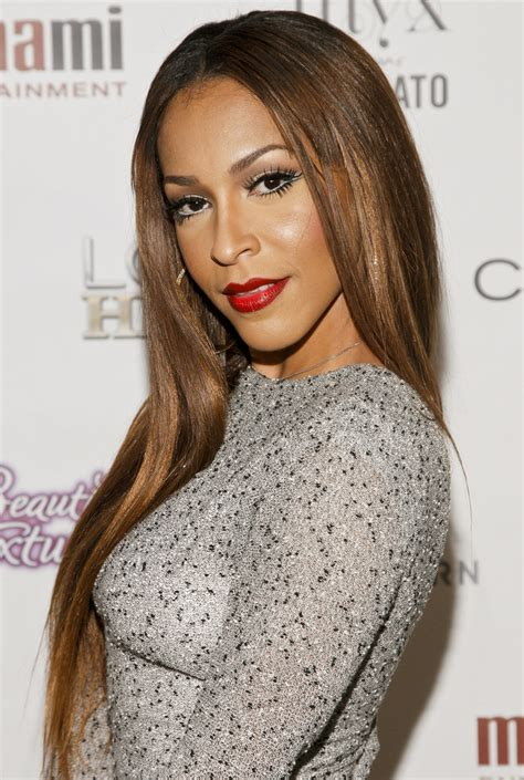 love in hip hop amina hair with red tips amina buddafly photos photos love hip hop season 4