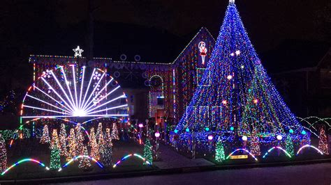 The Best Holiday Light Displays Around Houston Mclife Best Lights Show