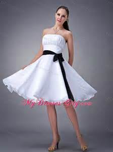 White knee length strapless damas dresses for quince with black sash