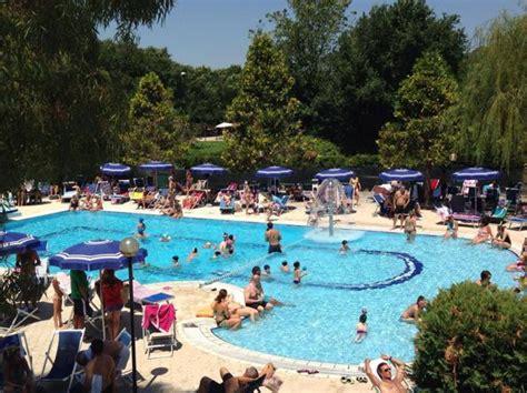 piscina le cupole roma da 8 a 85 piscine d estate tra low cost e lusso