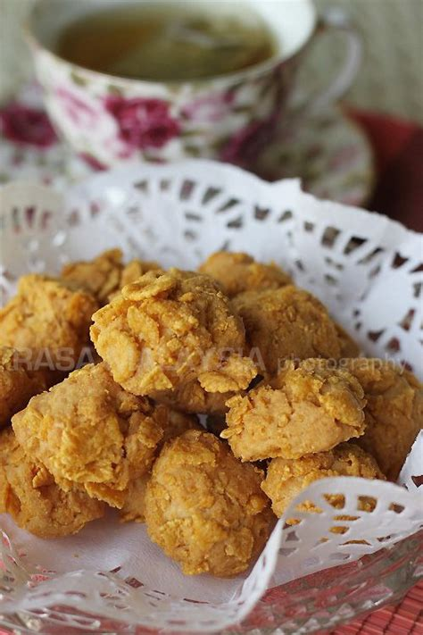 new year cookies recipes malaysia cornflake cookies crispy and buttery cookies with corn
