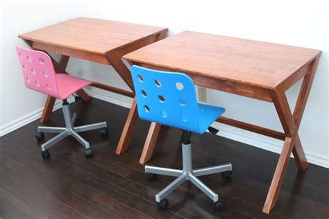 Ana White Kids Desk Diy Projects Diy Toddler Desk