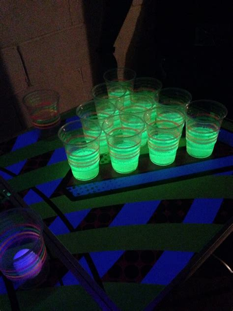 Blacklight Pong Table by How To Make Glow In The Pong Trusper