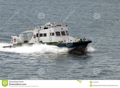 motor boat z small motor boat speeds by sea stock photo image 11527916