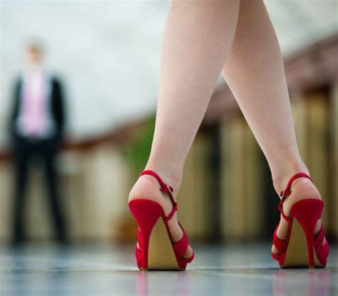 high heels show study shows high heels damage leg muscles popsugar fitness