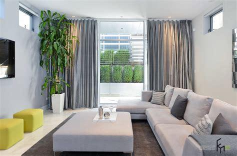 home design grey theme серые шторы для в интерьере квартиры стильный дизайн на фото