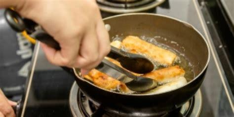Minyak Goreng Curah Hari Ini Surabaya minyak goreng maksimal digunakan 3 kali ini alasannya situs update berita foto artis