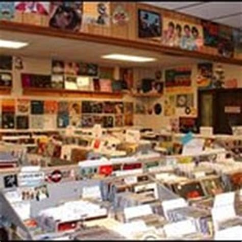 Records Cincinnati Ohio Everybody S Records 13 Photos 37 Reviews Dvds 6106 Montgomery Rd