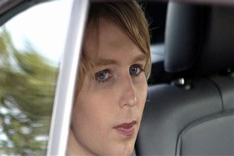 Entering The United States From Canada With Criminal Record Chelsea Manning Barred From Entering Canada Shakarasquare