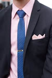 what color tie with pink shirt covered wind or shine