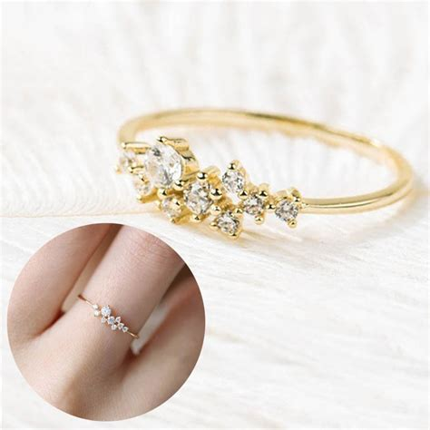 women lady finger ring crystals wedding engagement rings