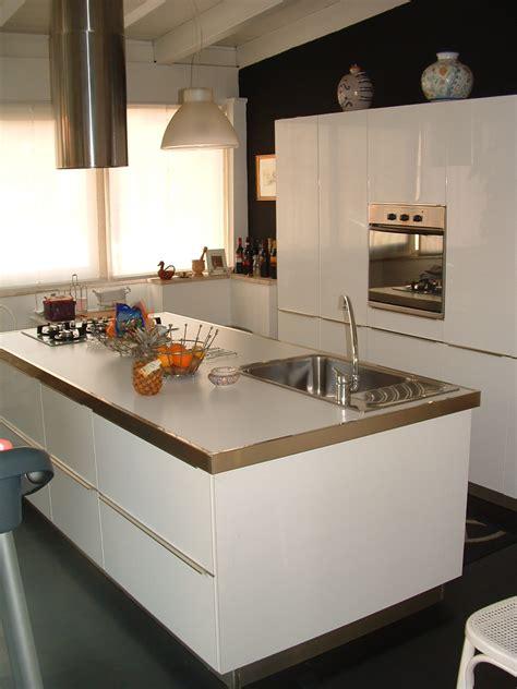 cucine in mansarda cucina moderna in mansarda