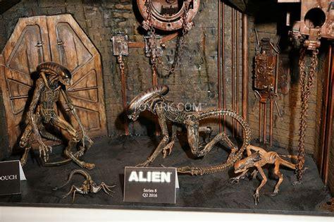 Figure Aliens Neca fair 2016 neca aliens and predators the toyark news