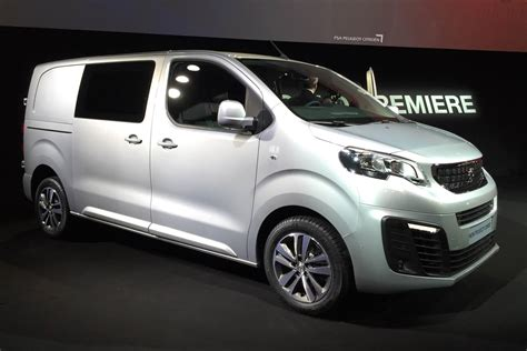 peugeot express new peugeot expert to make worldwide debut at cv show