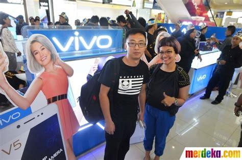 email vivo indonesia foto hari pertama penjualan vivo v5 diserbu antusiasme