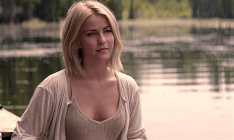 safe haven julianne hugh hair cut safe haven plays it safe but that s not necessarily a