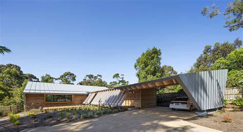 March Studio Crafts Timber Somers Beach House In Australia Wmarch Architectural Design Studio