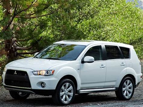 blue book value used cars 2009 mitsubishi outlander interior lighting 2012 mitsubishi outlander pricing ratings reviews kelley blue book