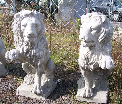 Lion Statue Home Decor by Garden Statuary Outdoor Statues And Garden Decor