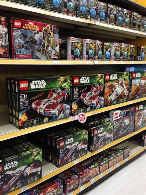 wars legos toys r us waiting for 2014 sets to arrive brick update