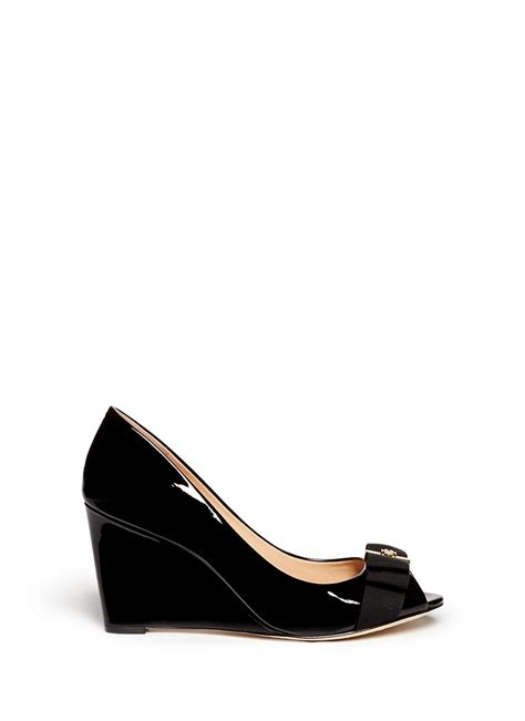 Murah Burch Trudy Wedges burch trudy patent leather open toe wedges in black