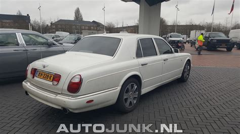 bentley vs rolls royce bentley arnage r vs rolls royce phantom foto s 187 autojunk