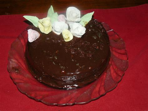 Chocolate Fudge Cake Decoration Ideas by Chocolate Fudge Cake With Ganache Icing Cake Decorating