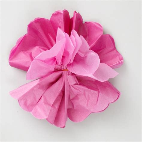 Make A Bow Out Of Tissue Paper - flor de papel passo a passo afe