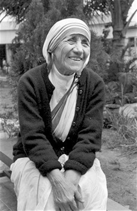 mother teresa mini biography childhood pictures mother teresa mini biography and