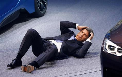 Bmw Ceo Harald Krueger Fainted And Collapsed During