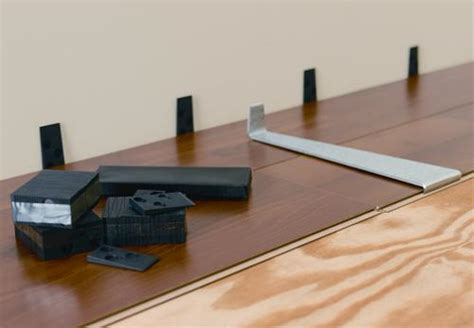 Laminate Flooring Installation Tools Mohawk Laminate Installation Kit At Menards 174