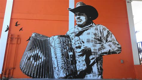 Oaxacan Street Artists Bring Mexican Muralism To Los Chicano Artists Los Angeles