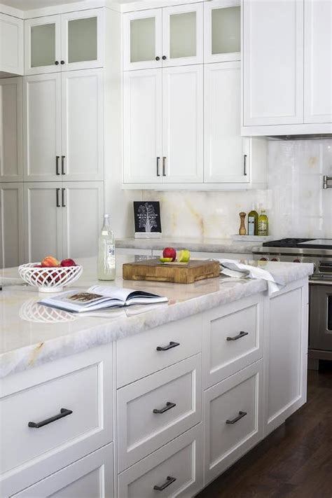 knobs for white kitchen cabinets white kitchen cabinets gold pulls design ideas